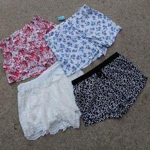 BUNDLE OF 4 short casual shorts S (K1)